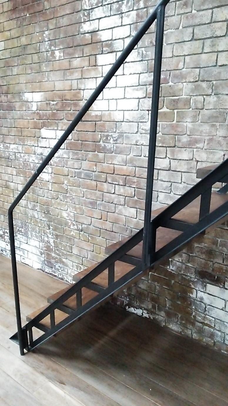 アイアン製 スケルトン階段 画像2