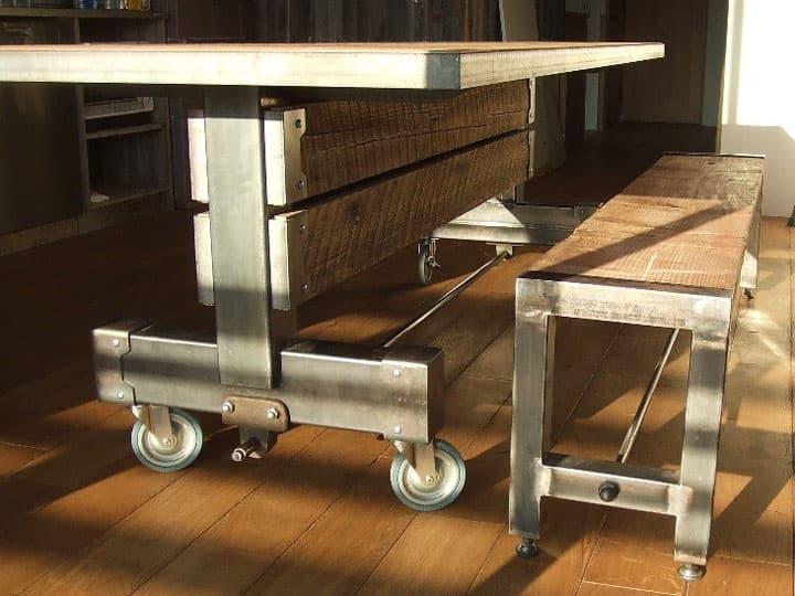重厚感あふれる古材とアイアンのダイニングテーブル 画像5
