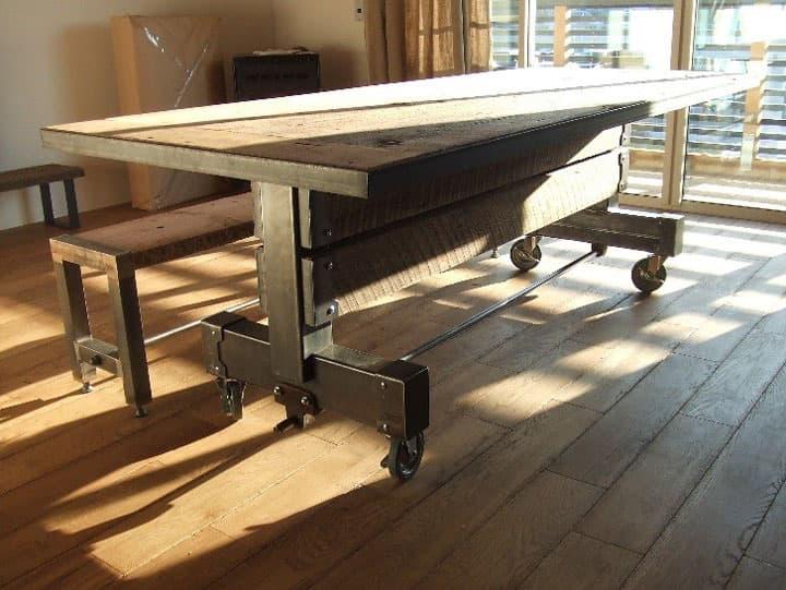 重厚感あふれる古材とアイアンのダイニングテーブル 画像6