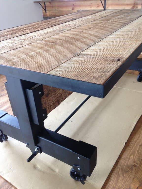 重厚感あふれる古材とアイアンのダイニングテーブル 画像7